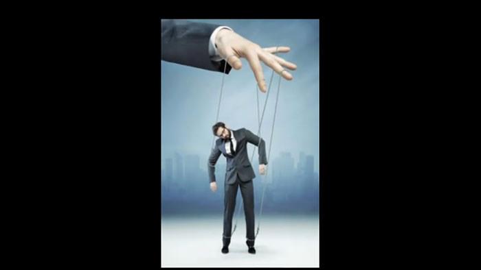 کنترل کردن دیگران تنها ترس و پنهان کاری آنها را بدنبال دارد