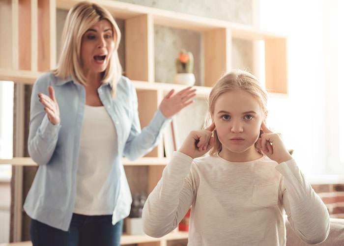 علل اختلال شخصیت هیجانی نمایشی در دختران و ارتباط آن با رفتار نادرست والدین