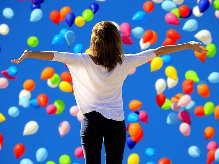 احساس خوشبختی چیست راهکارهای رسیدن به احساس خوشبختی درونی